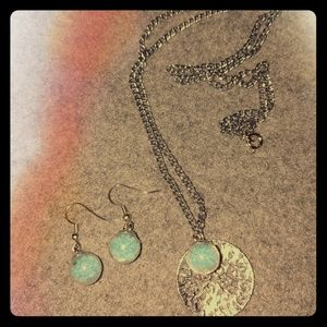 'Captured Waters' Necklace & Earrings set
